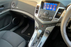 2014 Holden Cruze JH SERIES II MY14 EQUIPE Hatchback Image 4