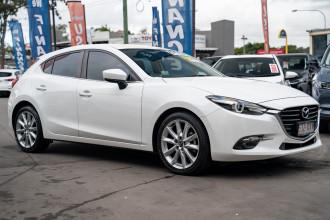 2017 Mazda 3 Hatchback Image 3