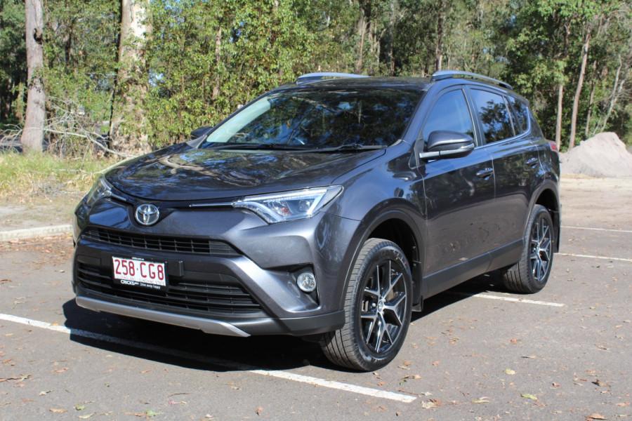 2017 Toyota RAV4 GXL Image 4