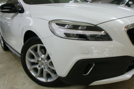 2017 Volvo V40 Cross Country M Series MY17 T5 Adap Geartronic AWD Inscription Hatchback