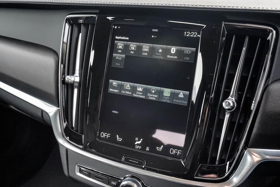 2020 Volvo V90 Cross Country D5 Wagon Image 11