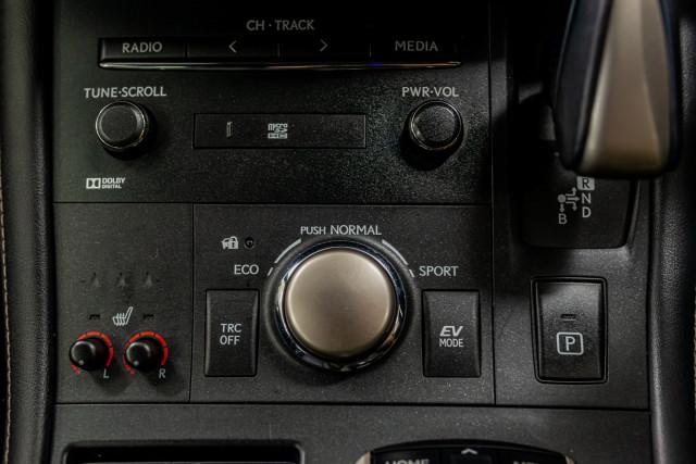 2016 Lexus Ct Hatchback Image 32