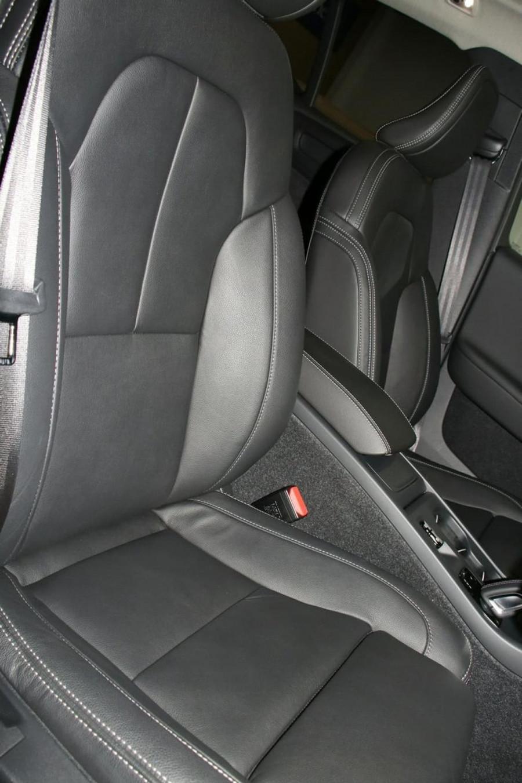 2020 Volvo Xc40 (No Series) MY20 T4 Momentum Suv Image 11