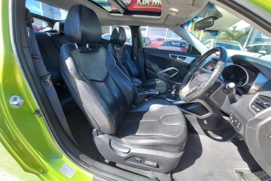 2012 Hyundai Veloster FS2 + Hatchback Image 10