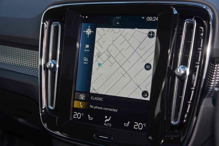 2019 [SOLD]    Mobile Image 15