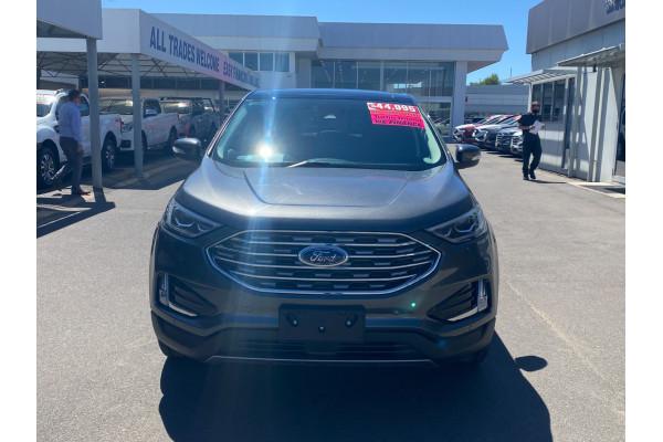 2019 Ford Endura CA  Titanium Suv Image 2
