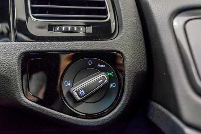 2016 Volkswagen Golf 7 R Hatchback Image 32