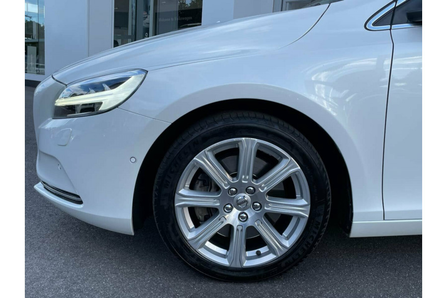 2016 MY17 Volvo V40 M Series MY17 T4 Adap Geartronic Inscription Hatchback