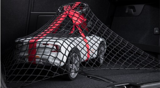 Load securing net - load compartment