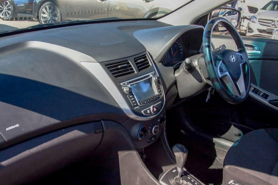 2013 Hyundai Accent RB2 Active Hatchback Image 8