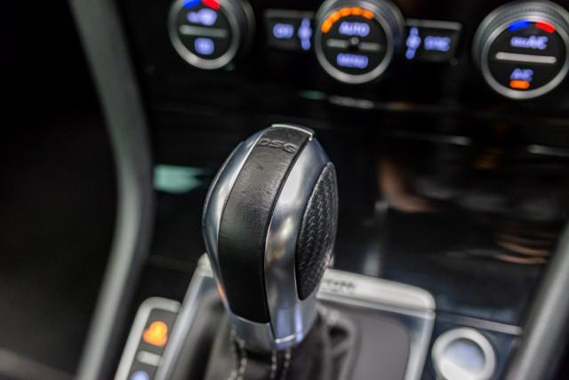 2016 Volkswagen Golf 7 R Hatchback Image 27