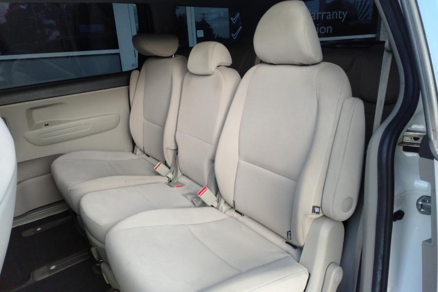 2015 Kia Carnival YP S Wagon Image 11