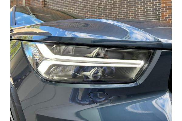 2022 Volvo XC40 Recharge PHEV Suv Image 2