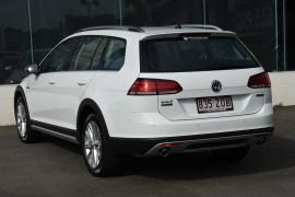 2019 Volkswagen Golf Alltrack 7.5 132TSI Wagon Image 3