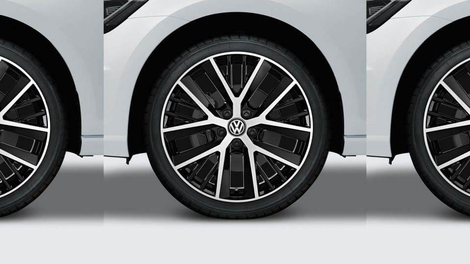 "19"" Twinspoke alloy wheel"