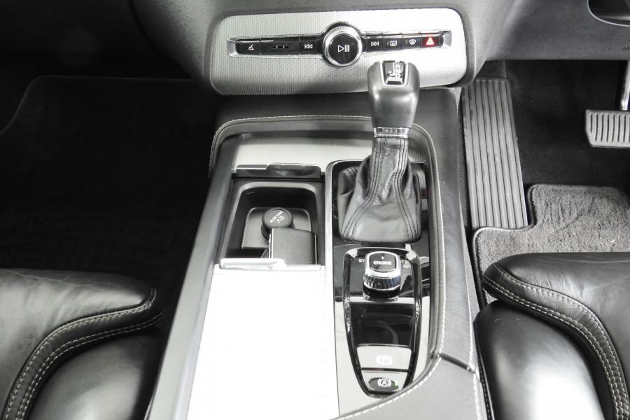 2015 Volvo XC90 Vehicle Description. L  MY16 D5 INSCRIPTIO WAG GEAR 8SP 2.0D D5 Suv Image 17