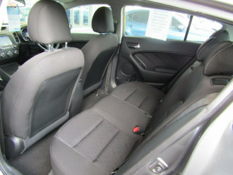 2015 Kia Cerato YD S Premium Hatchback image 21