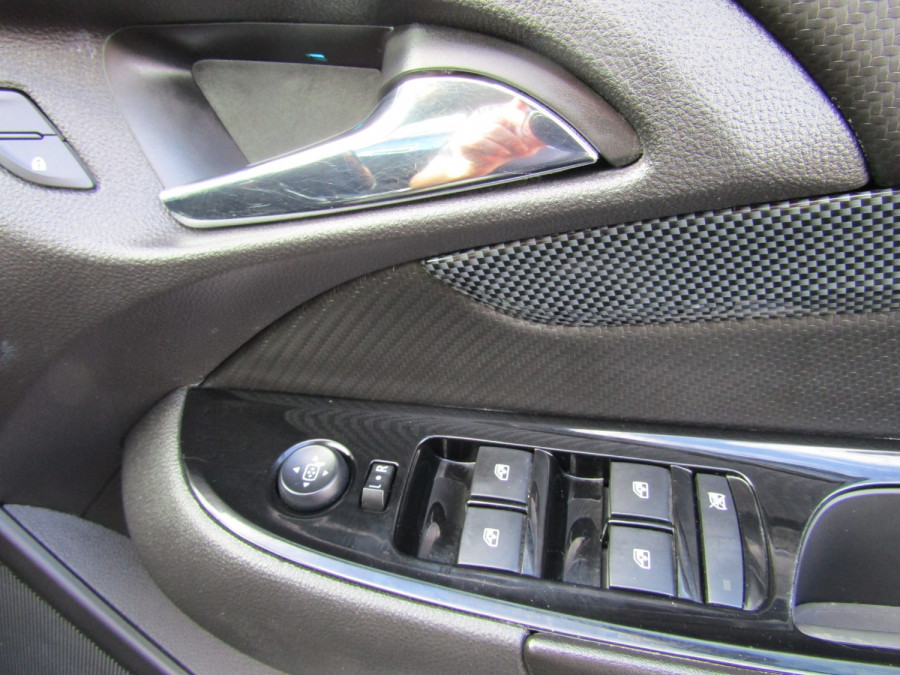 2014 Holden Commodore VF MY14 SV6 Wagon Image 13