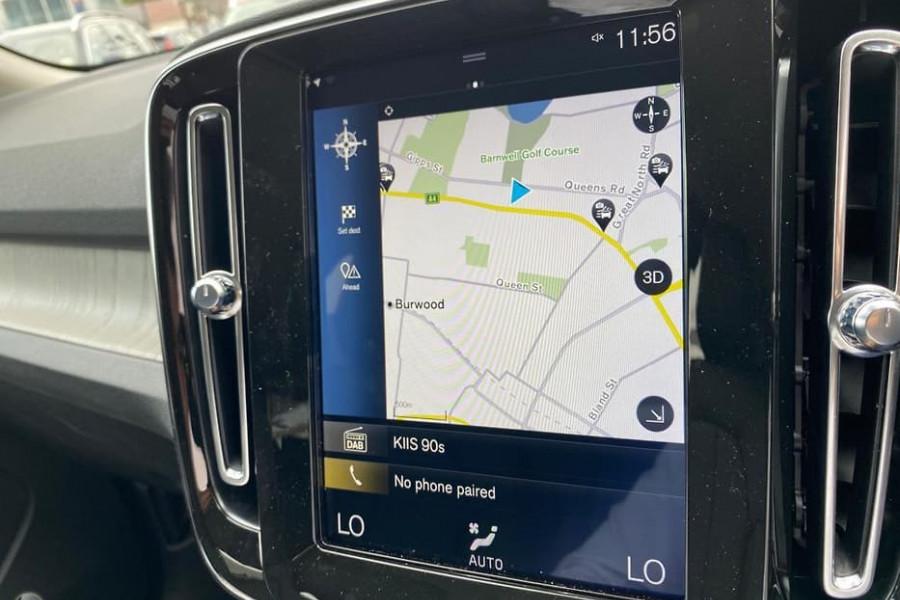 2020 Volvo XC40 XZ T4 Inscription Suv Mobile Image 7