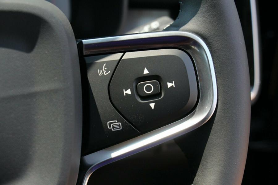 2019 Volvo XC40 XZ T4 Momentum Suv Mobile Image 13