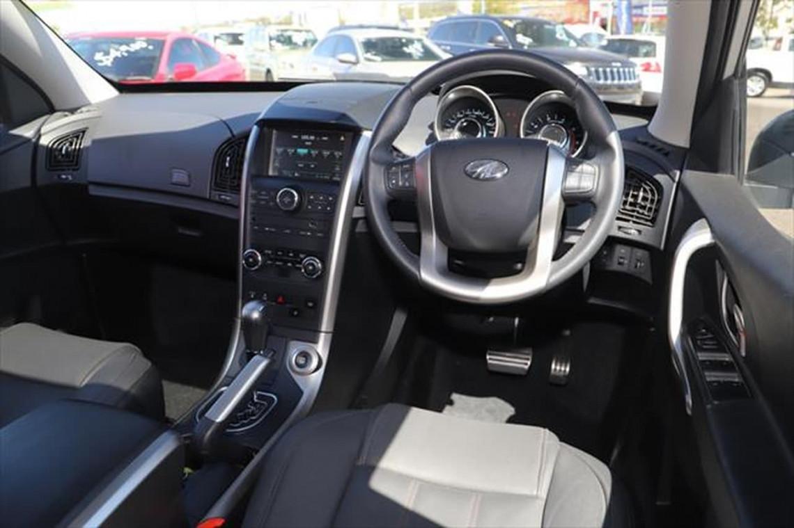 2020 MY19 Mahindra XUV500 W6 FWD Suv Image 11