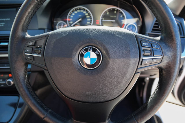 2012 BMW 5 Series F10 MY12 520d Sedan Image 16
