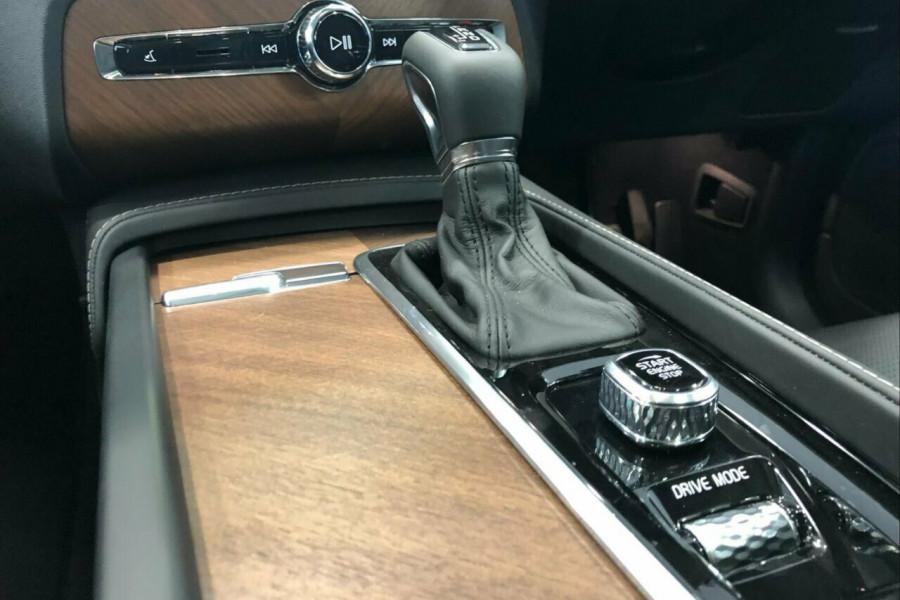 2019 Volvo XC90 L Series T6 Inscription (AWD) Suv Mobile Image 11