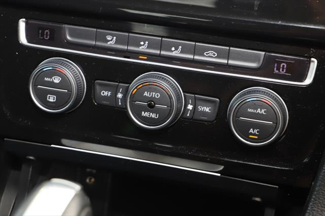 2015 Volkswagen Golf 7 MY15 110TDI Highline Hatchback Image 16