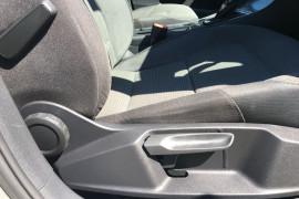 2013 Volkswagen Golf VII 90TSI Hatch Image 5