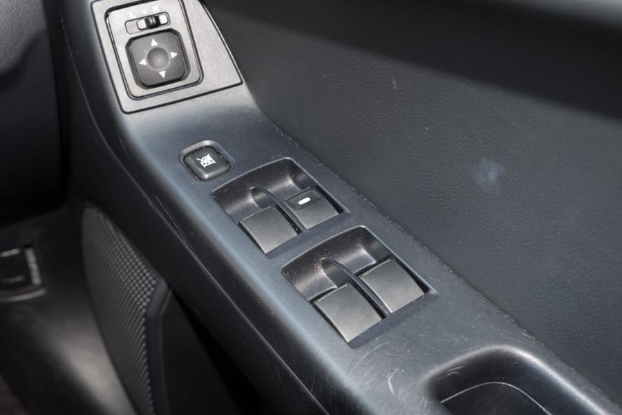 2013 Mitsubishi Lancer Image 24