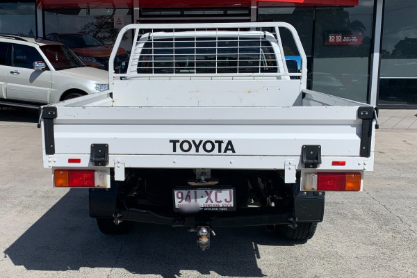 2016 Toyota HiLux Cab chassis