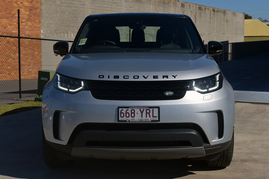 2018 MY19 Land Rover Discovery Series 5 SE Suv Mobile Image 3
