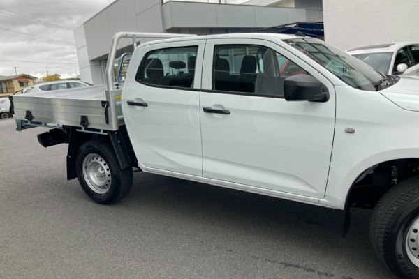 2020 MY21 Isuzu UTE D-MAX SX 4x4 Crew Cab Chassis Cab chassis Mobile Image 2