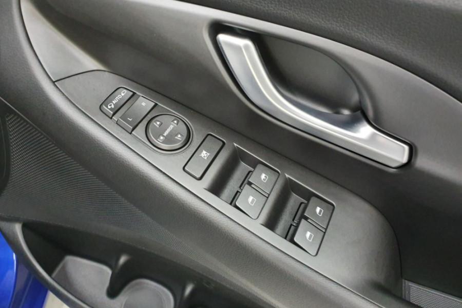 2019 Hyundai i30 PD2 Active Hatchback Image 13