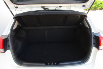 2014 MY15 Kia Cerato YD MY15 S PREMIUM Hatchback Image 5