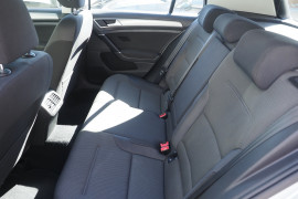 2015 Volkswagen Golf 7 90TSI Hatchback Image 4