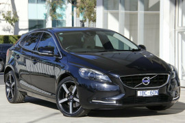 Volvo V40 T4 A LUX 14MY
