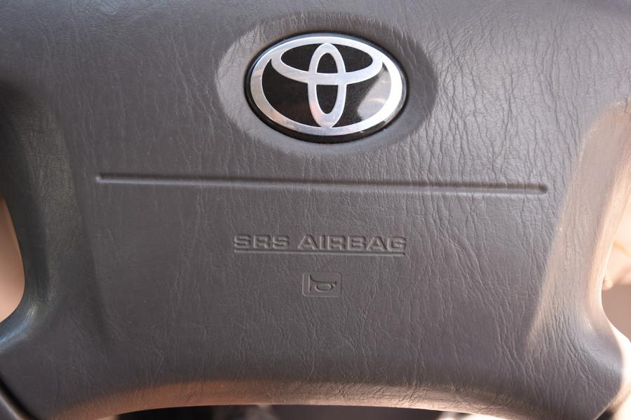 2001 Toyota Corolla AE112R Ascent Ute Image 16