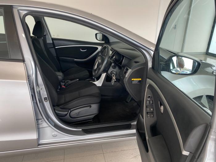 2014 Hyundai I30 GD2 Active Hatchback Image 6
