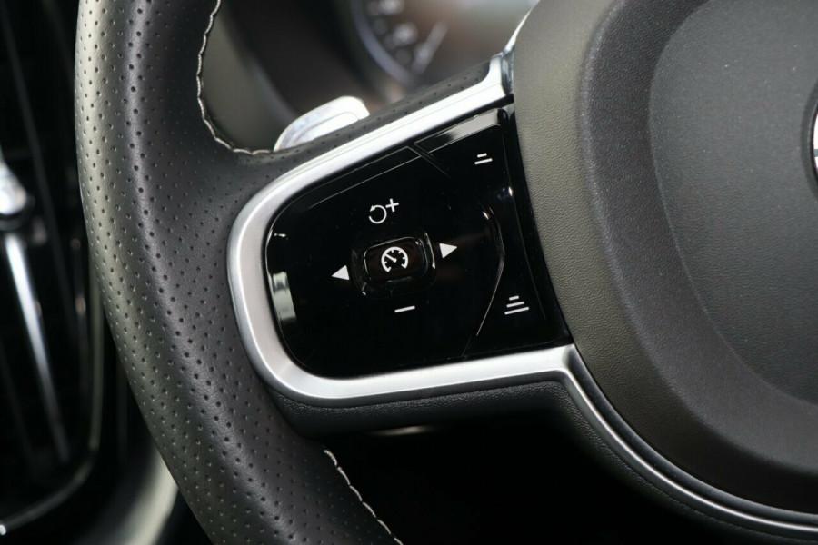 2018 Volvo XC60 T6 R-Design Suv Image 15
