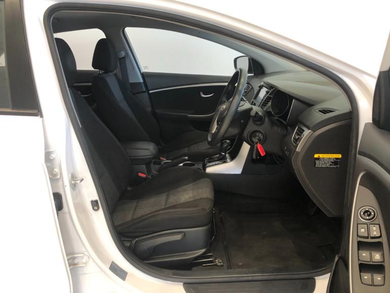 2016 Hyundai i30 GD3 Series II Active Hatchback Image 11