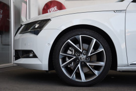 2018 MY18.5 Skoda Superb NP MY18.5 206TSI Sedan Image 5