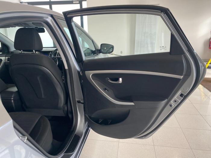 2014 Hyundai I30 GD2 Active Hatchback Image 7