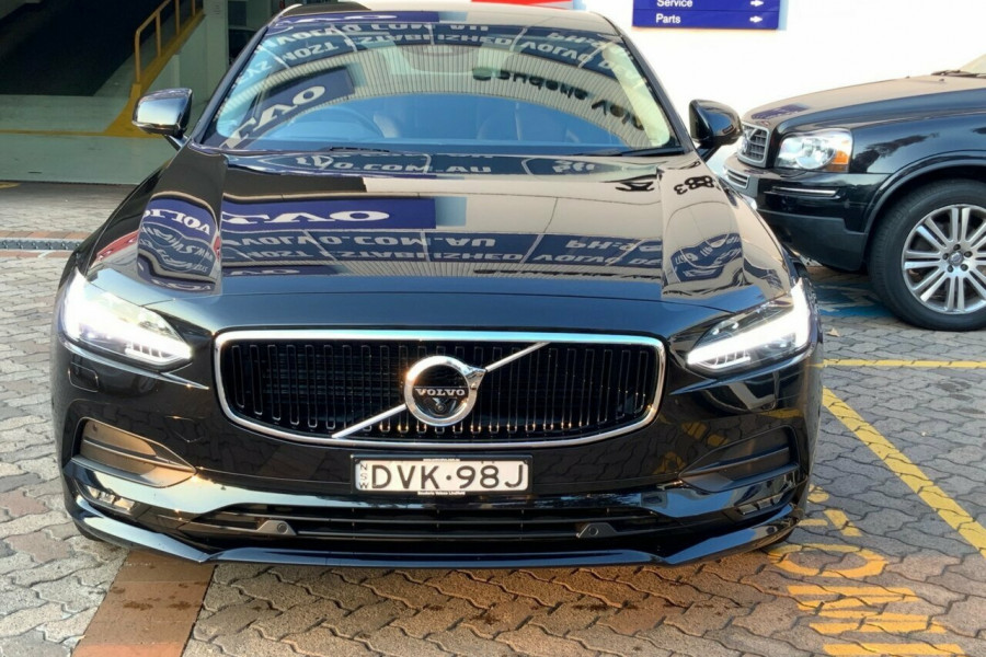 2016 MY17 Volvo S90 P Series D4 Momentum Sedan Mobile Image 2
