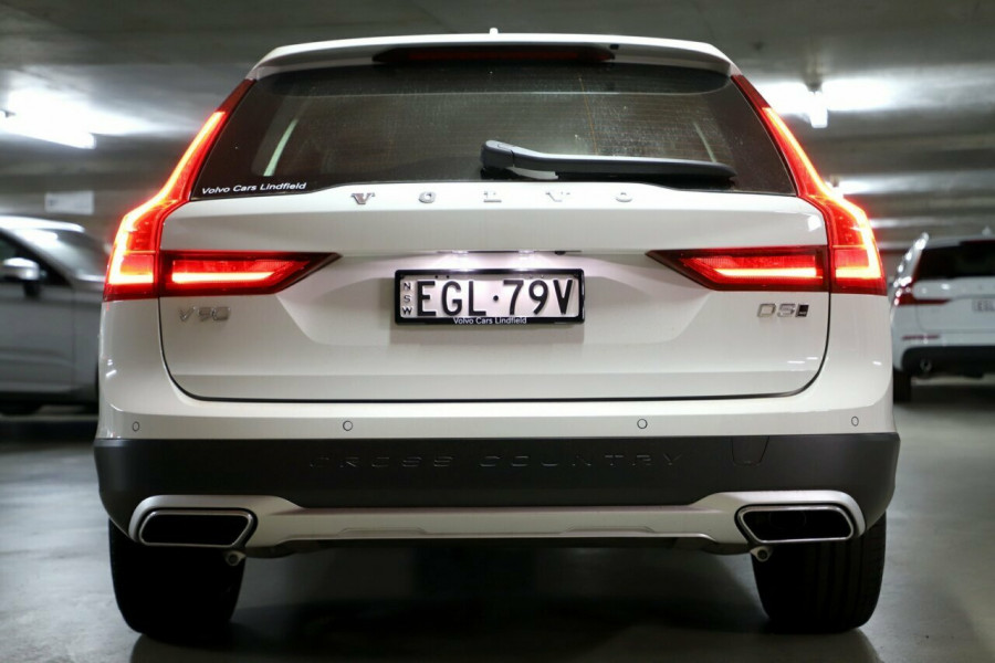 2019 MY20 Volvo V90 Cross Country P Series D5 Wagon Image 17