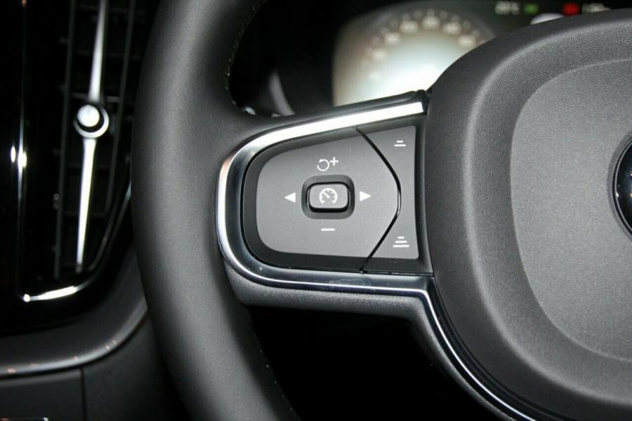 2019 MY20 Volvo XC60 UZ D4 Momentum Suv Mobile Image 14