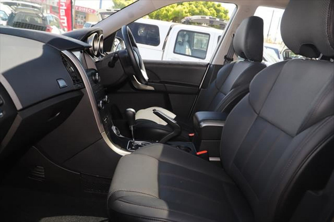 2020 MY19 Mahindra XUV500 W6 FWD Suv Image 8