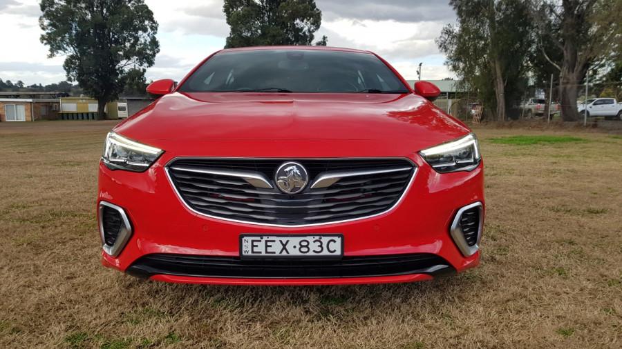 2018 Holden Commodore ZB VXR Sedan Image 2