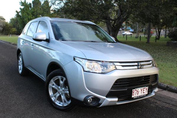 Mitsubishi Outlander ES ZJ