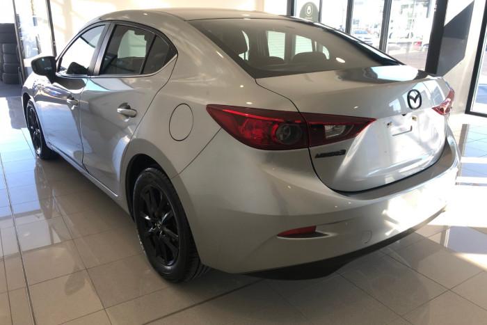 2014 Mazda 3 BM5278 Touring Sedan Image 7